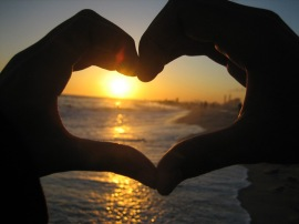 love-sunset-hands